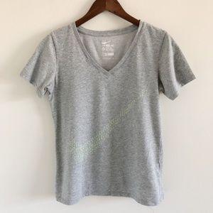Nike Dri-Fit Swoosh V-Neck T-Shirt Size Medium